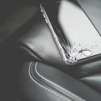 Få fikset din Iphone ordentligt og billigt hos OneRepair